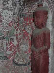 Buddha inside painted cave at Hpo Win Daung