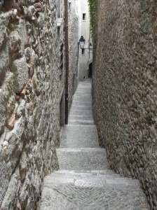 Narrow alleyway in Jewish Quarter-Girona